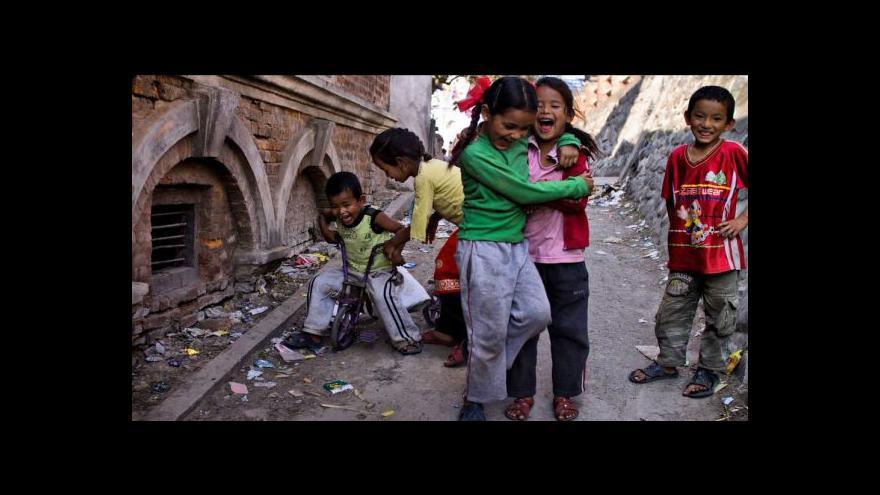 Video Horizont ČT24 o zotročených dívkách v Nepálu
