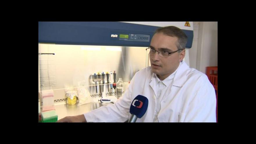 Video O riziku možné nákazy hovoří mikrobiolog Filip Růžička