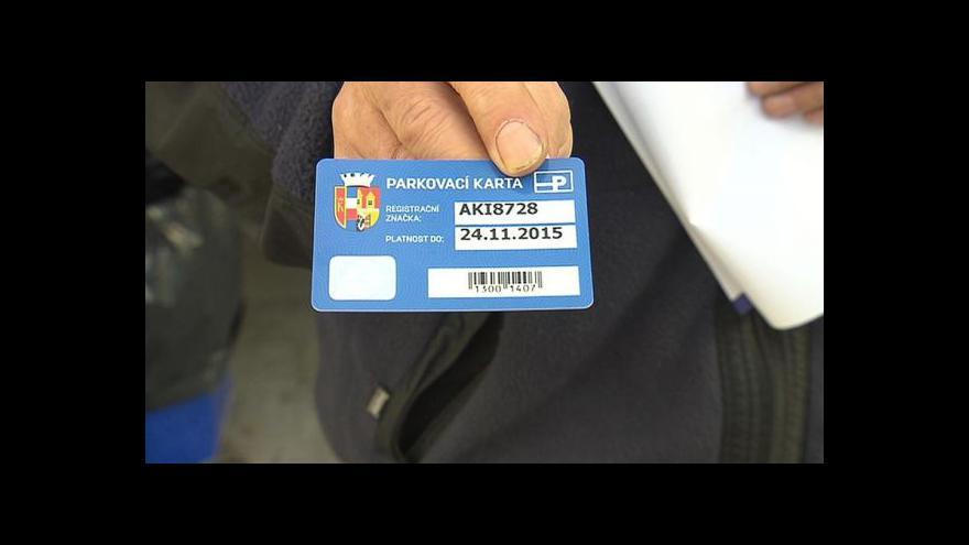 Video Praha 8 začala vydávat parkovací karty