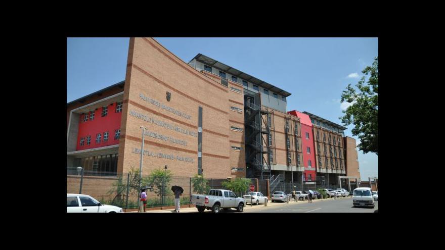 Video Jihoafrický soud poslal Krejčíře do nemocnice