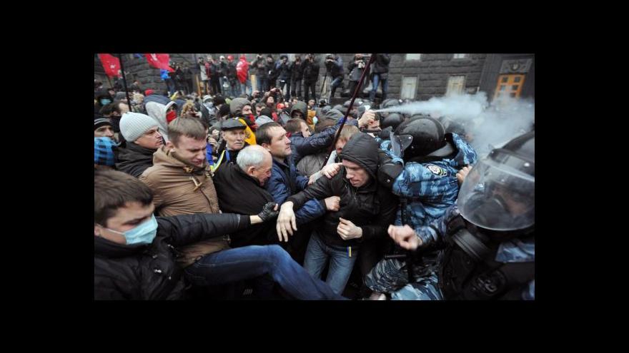 Video Kvůli asociační dohodě vyšly desetitisíce Ukrajinců do ulic