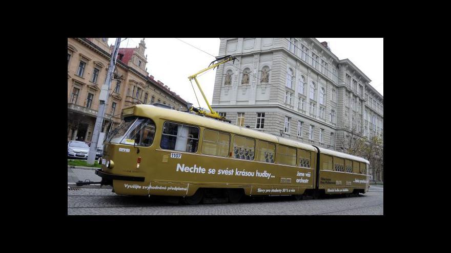 Video Filharmonie Brno koncertovala v tramvaji