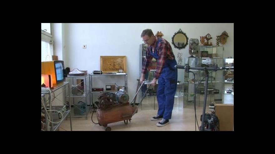 Video Milan Říha o exponátech v Muzeu kutilství