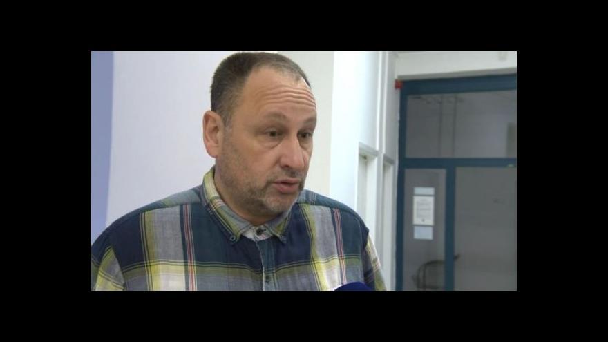 Video O bombovém atentátu hovoří publicista Luděk Navara