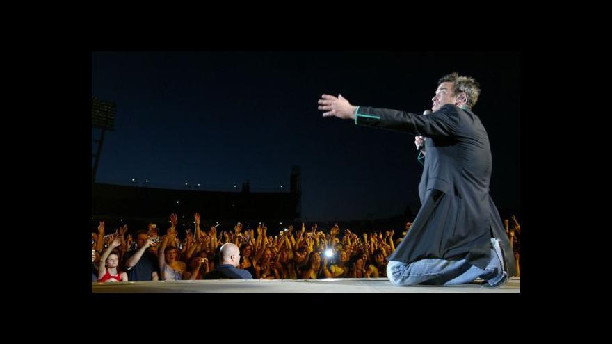 Video Robbie Williams swinguje