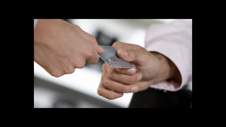 Video Počet bezhotovostních plateb narůstá