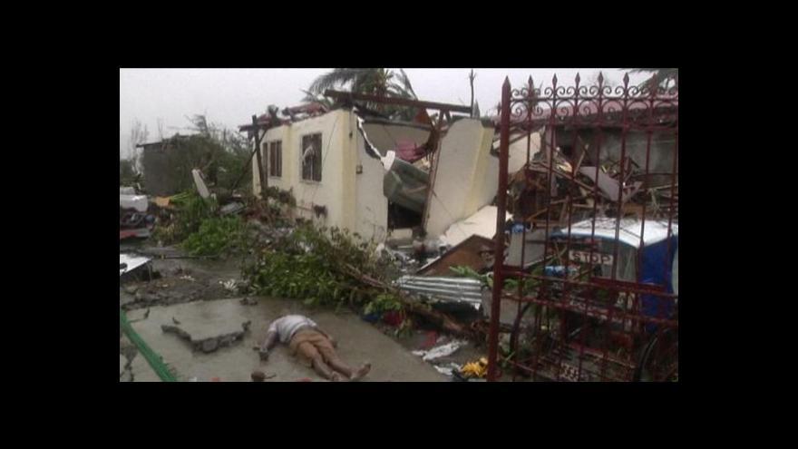 Video Do oblasti postižené tajfunem Haiyan míří pomoc ze všech stran