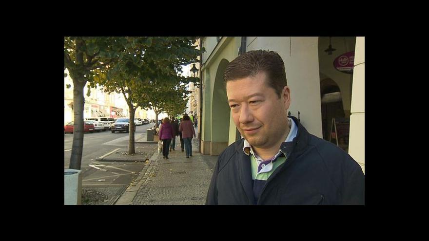 """Video Rozhovor s Tomiem Okamurou k rezignaci """"pučistů"""""""