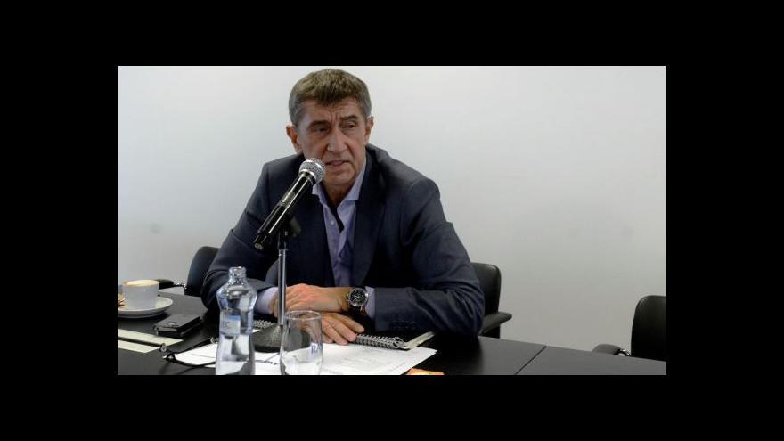 Video Události ČT o Andreji Babišovi a lustračním osvědčení