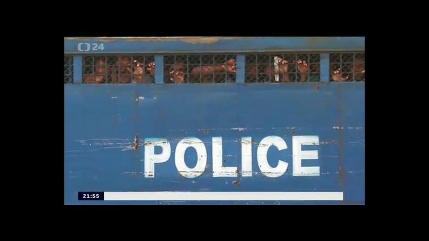 Video Trest smrti pro 152 bangladéšských pučistů