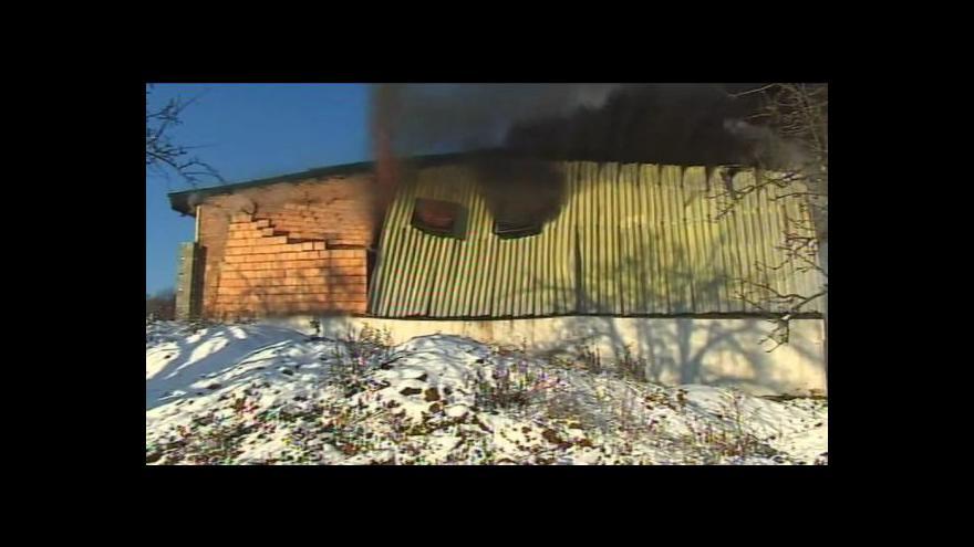 Video NO COMMENT: Požár haly v Lulči