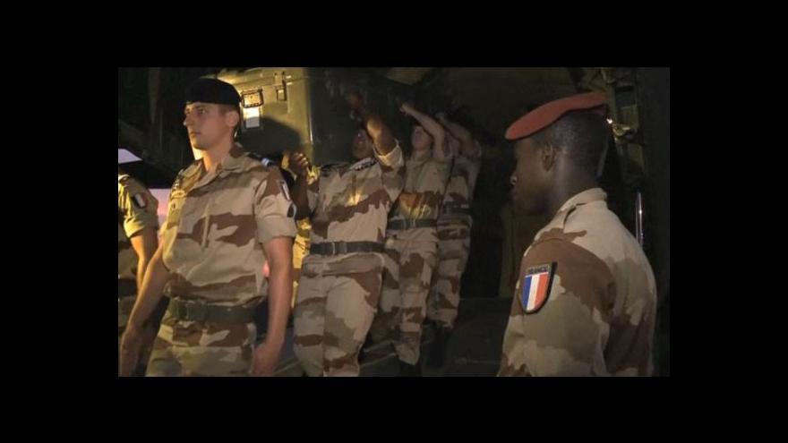 Video V Mali zatkli vrahy francouzských novinářů
