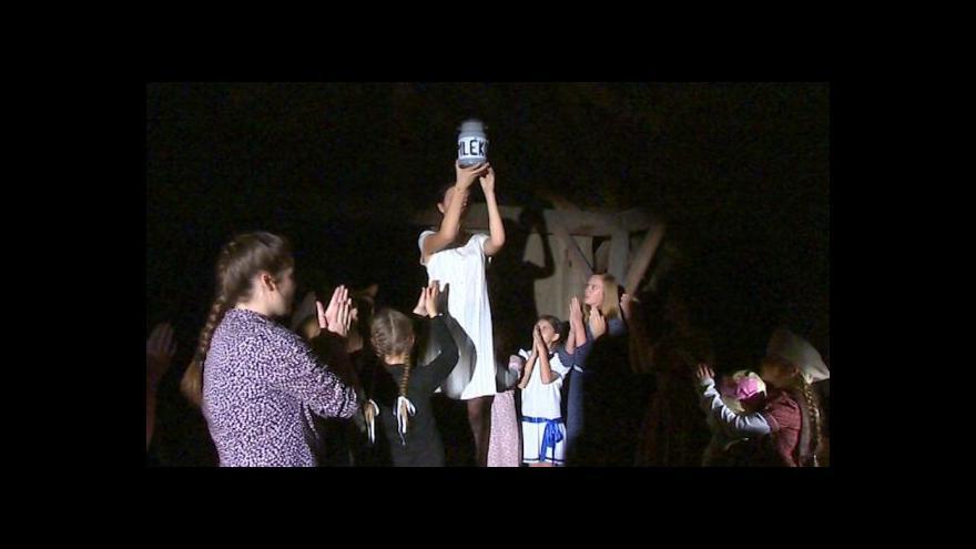Video NO COMMENT: Dětská opera Brundibár