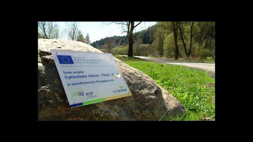 Video Vlastníci pozemků se brání proti cyklotrasám