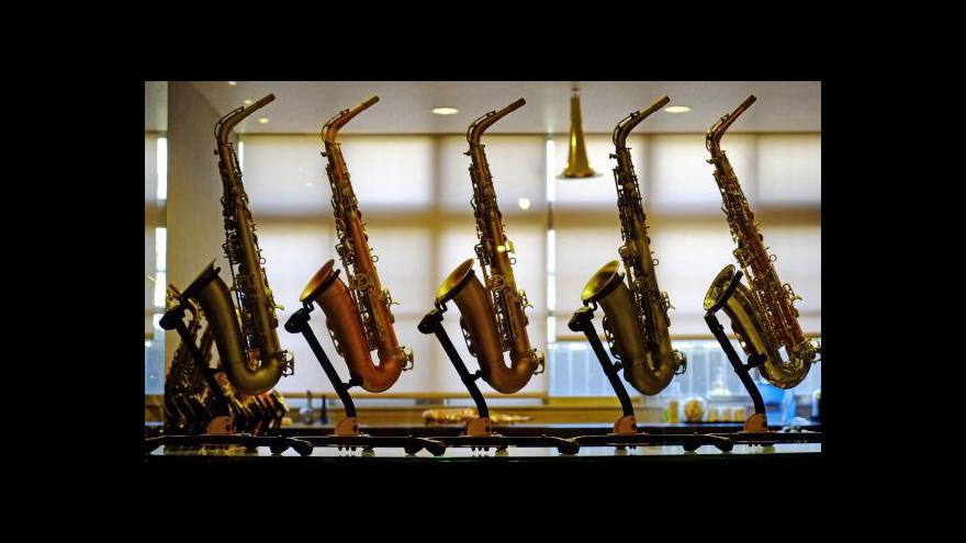 Video Tchaj-čung rozezněly saxofony