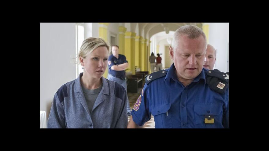 Video Mauerová byla předčasně propuštěna na svobodu