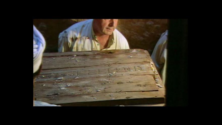 Video Čeští archeologové objevili unikátní hrobku