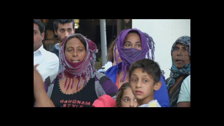 Video Policie stále pátrá po původu malé dívky