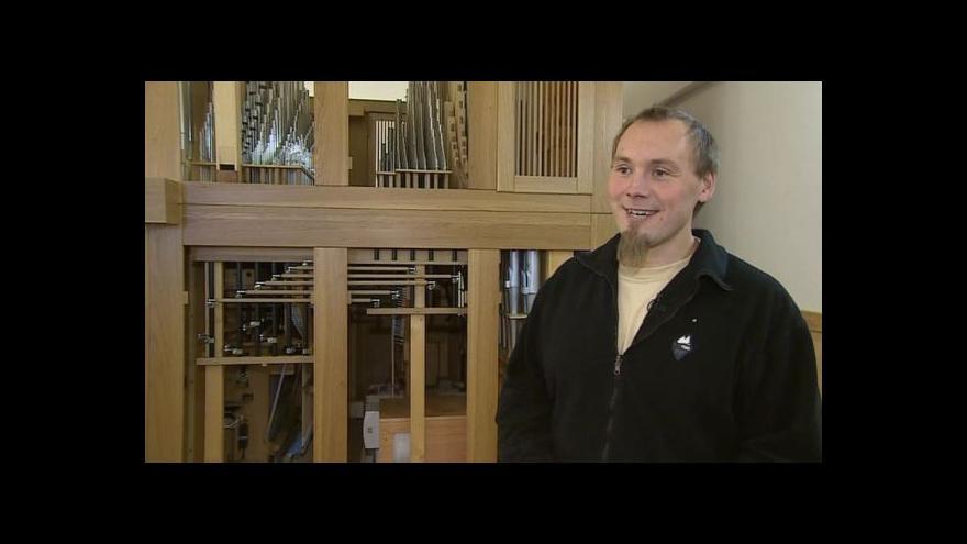 Video O práci na varhanách vypráví Bohumil Žloutek