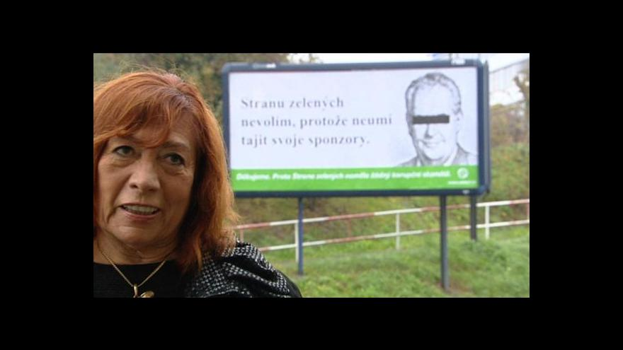 Video Neformální kampaň: Lídři na billboardech odložili saka i kravaty