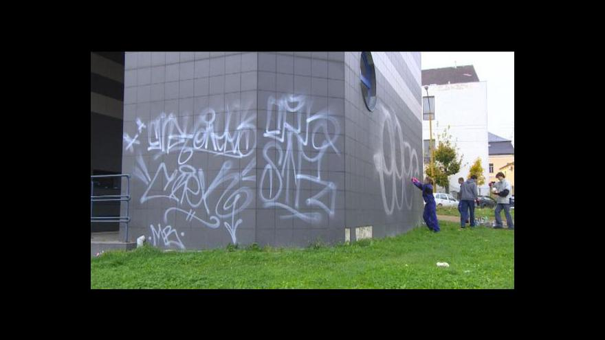 Video Blanka Poulová o úklidu graffiti