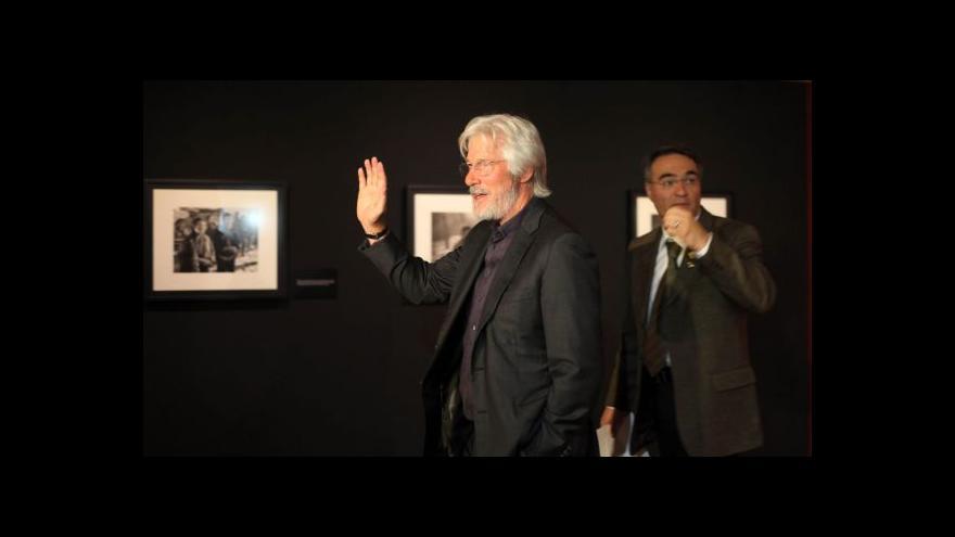 Video Richard Gere vystavuje fotky na podporu Tibetu