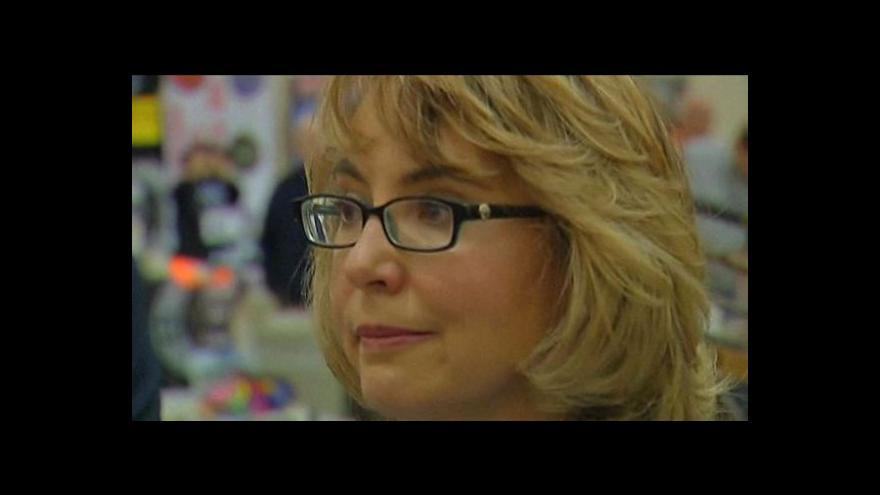 Video Giffordsová proti násilí v USA