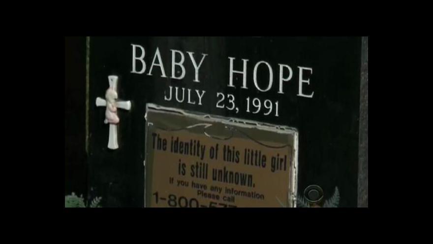Video Po 22 letech newyorská policie dopadla vraha Baby Hope