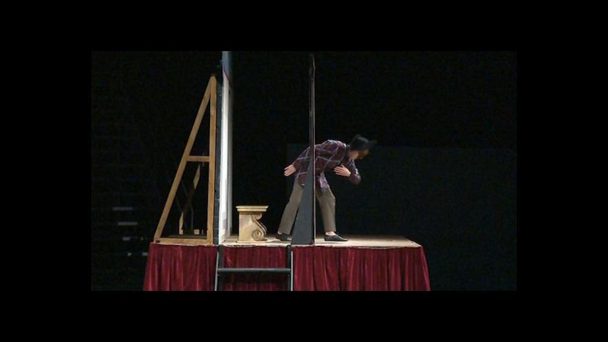 Video No comment: Inscenace Největší z pierotů