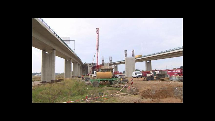 Video Stavbu R35 blokuje výkup pozemků