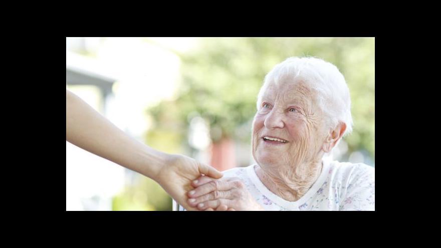 Video Pracujících důchodců přibývá