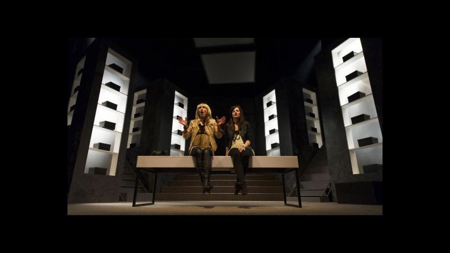 Video Sestup Orfeův v Klicperově divadle