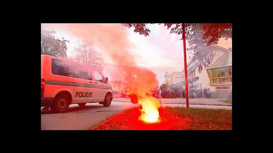 Video Policie v Ostravě se střetla s radikály