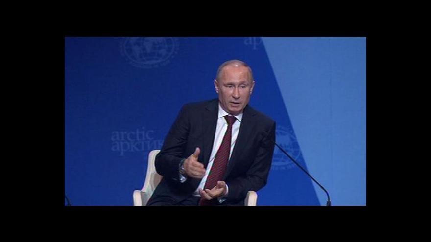 Video Putin mírní napětí po zatčení členů Greenpeace