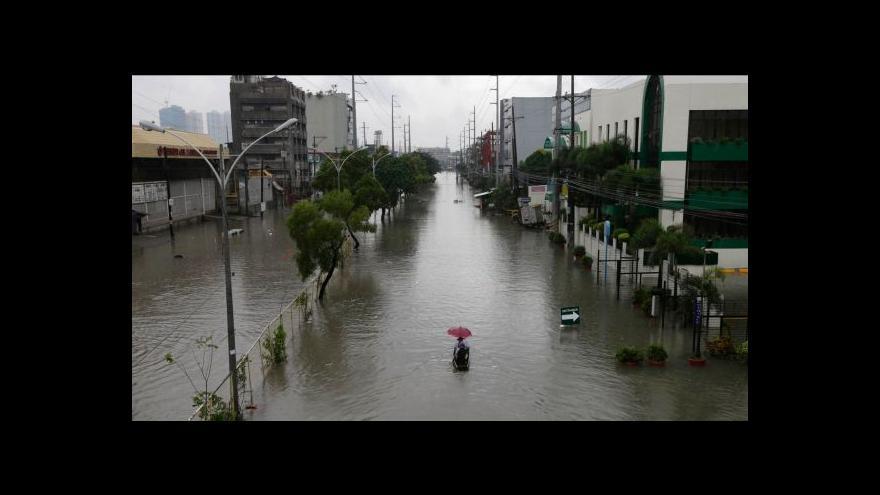 Video Tajfun Usagi už má na dvě desítky obětí