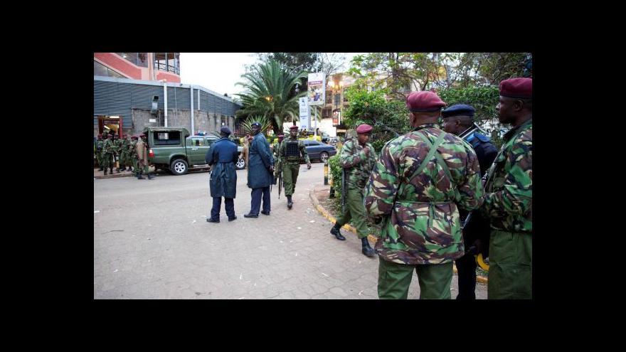 Video Keňská armáda osvobodila rukojmí z nairobského obchodního centra