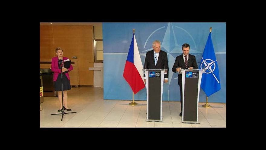 Video Brífink prezidenta Miloše Zemana a generálního tajemníka NATO A. F. Rasmussena