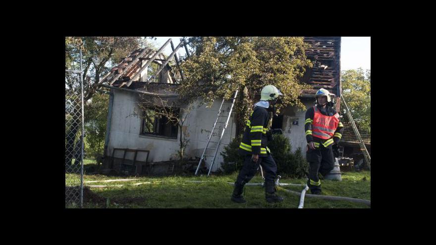 Video V plamenech ve zlínském domku zahynul senior