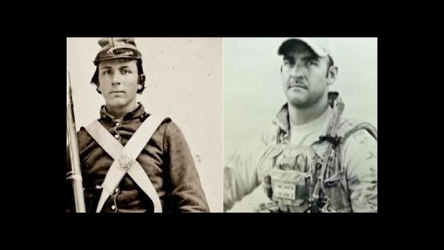 Video Americký voják fotí starou metodou