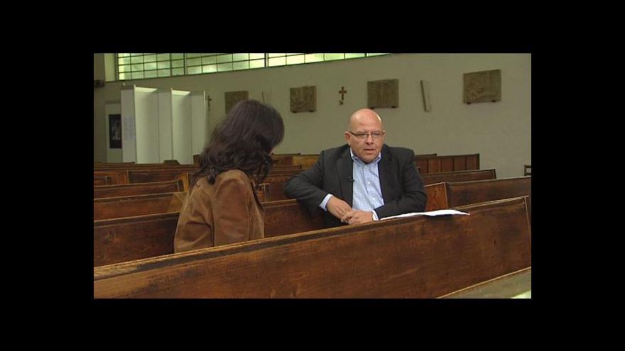 Video Dagoberto Valdés v rozhovoru pro ČT24