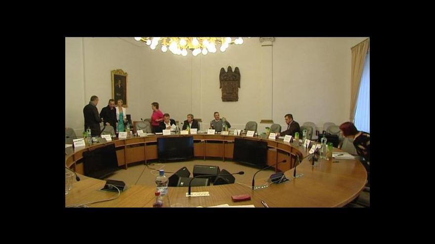 Video Komise vybírá ředitele plzeňského divadla