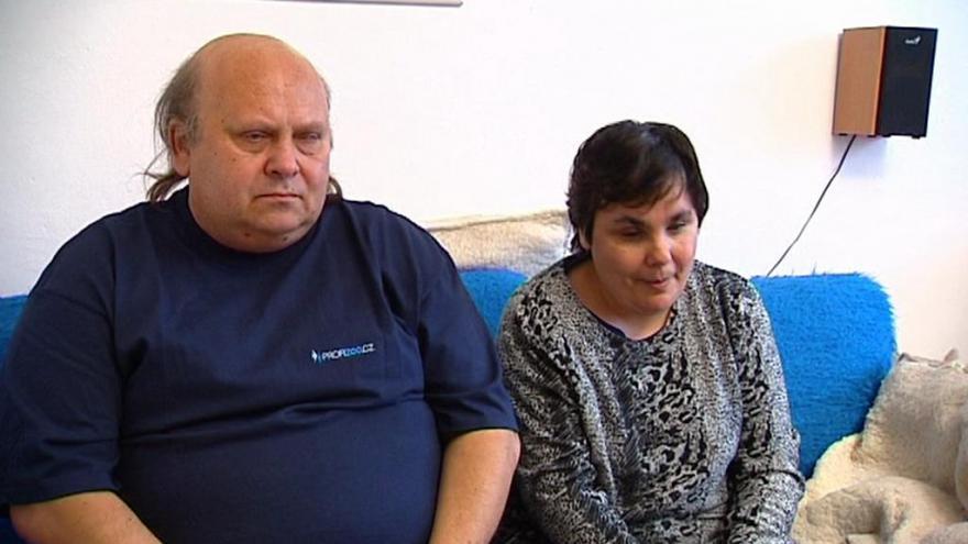 Video Nevidomí manželé Peterkovi se snaří o adopci