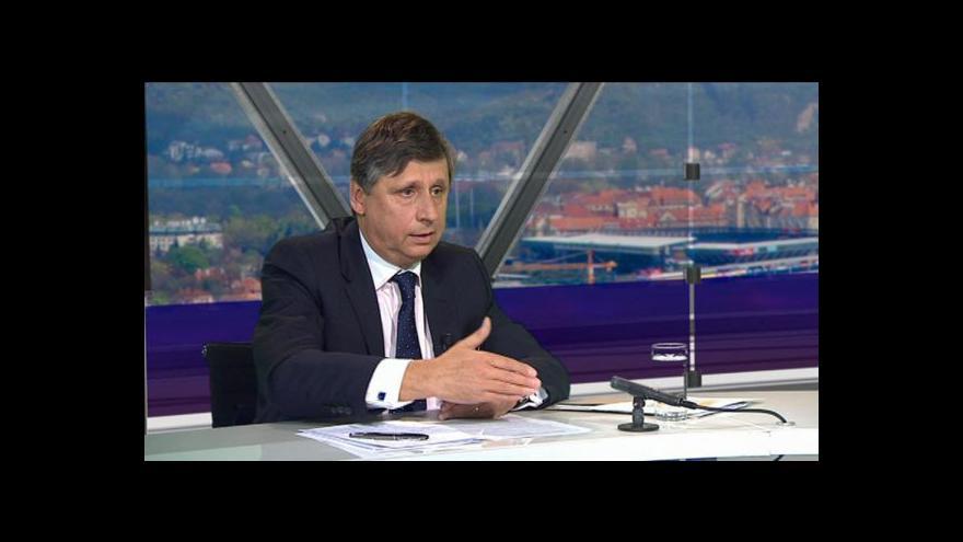 Video Ministr financí v demisi Jan Fischer v OVM