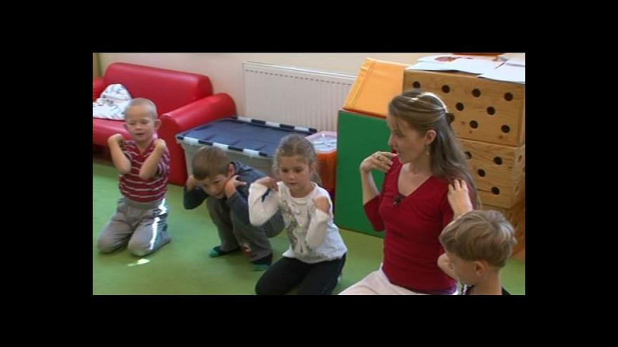 Video Kristýna Nečasová cvičí jógu