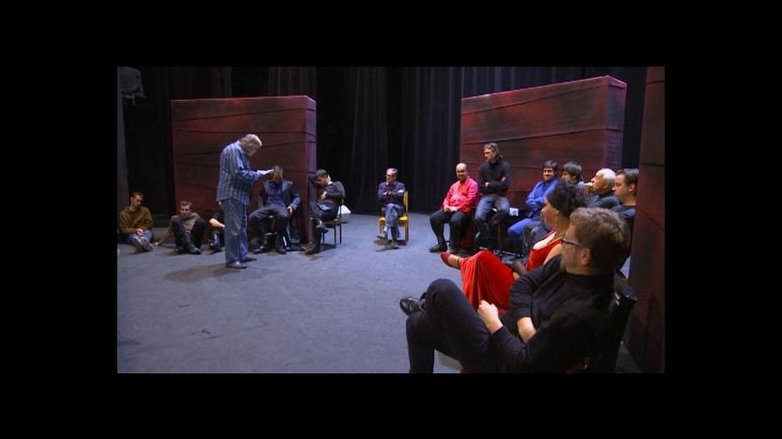 Video V Horáckém divadle nastudovali Hamleta