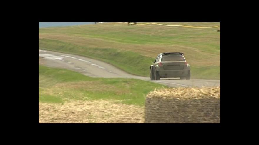 Video Kopecký potřetí v kariéře ovládl Barum rallye