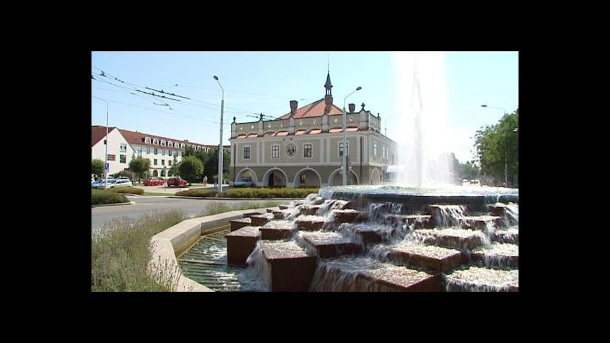Video Lázně Bohdaneč žijí sporem o letitou alej