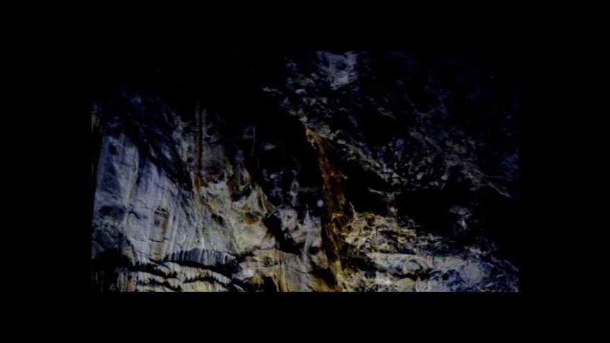 Video Kamera České televize prozkoumala jeskyni Lopač
