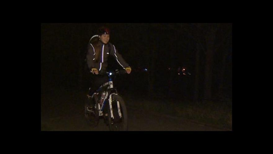 Video NO COMMENT: Noční cyklojízda po trase odsunu brněnských Němců