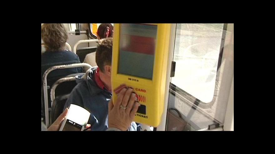 Video Erik Knajfl o agresivitě černých pasažérů